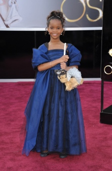 3_quvenzhane_wallis_oscars_red_carpet.jpg