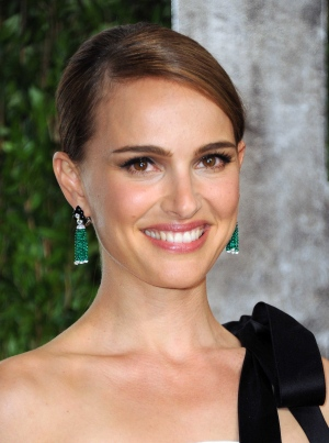 86_Oscar_after_Parties_ Natalie Portman.jpg