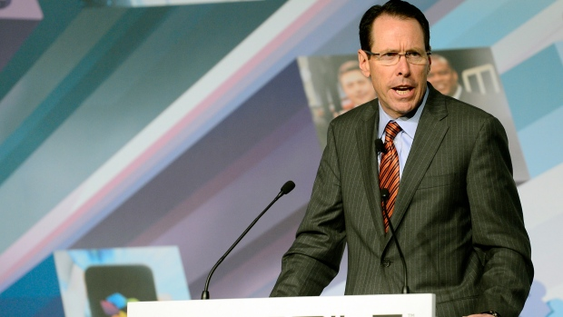 Randall Stephenson speaks at Mobile World Congress