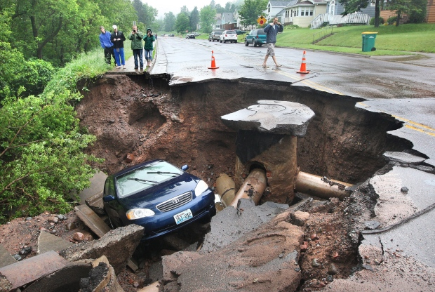 A car fell into a huge sinkhole in Minnesota
