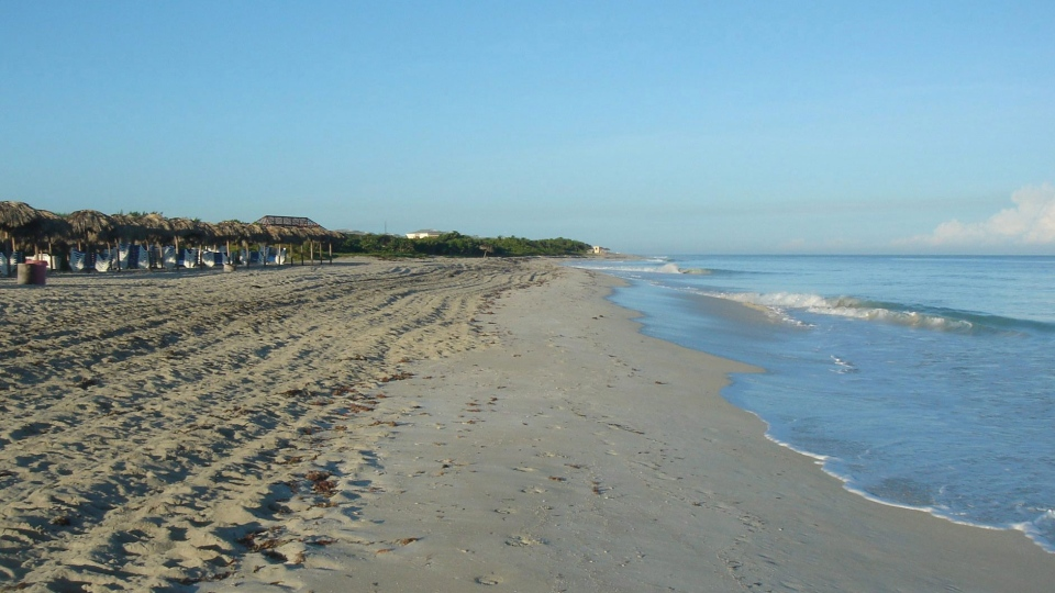 The beach at Varadero, Cuba is shown on Oct. 30, 2011. (Romina Maurino / THE CANADIAN PRESS)