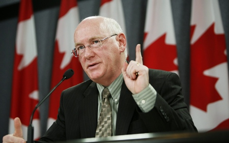 Paul Kennedy, chair of the commission for Public Complaints against the RCMP, speaks during a news conference in regards to the final report on the breach of security regarding the taxation of Canadian Corporate Dividends and Income Trusts at the National Press Theatre in Ottawa on Monday, March 31, 2008. (Sean Kilpatrick / THE CANADIAN PRESS)