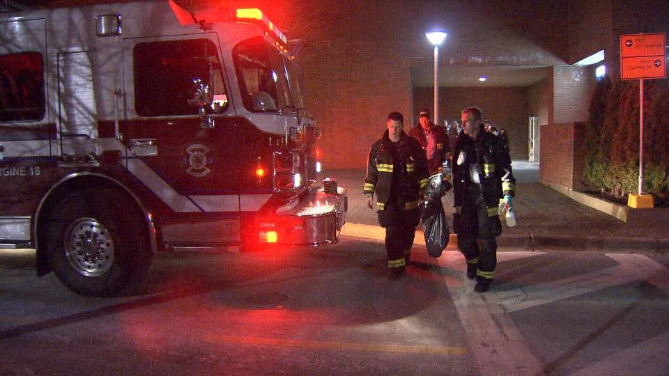 Firefighters and police respond to a robbery at the Oakridge Mall Apple Store location. Mar. 4, 2013. (CTV)