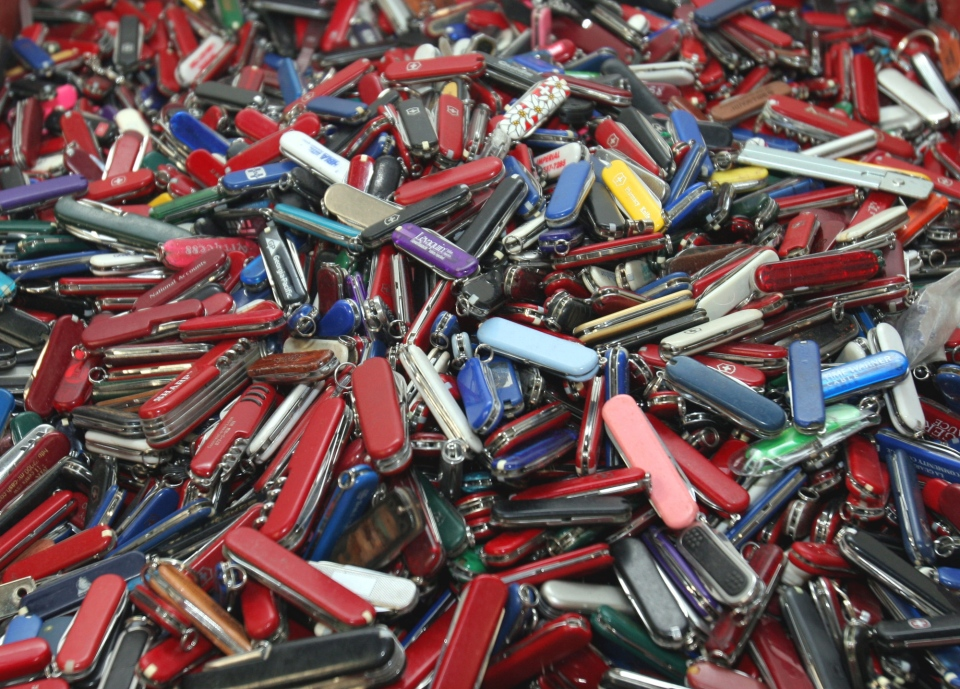 В США отменено разрешение проносить в самолеты перочинные ножи - GORIZONT.C