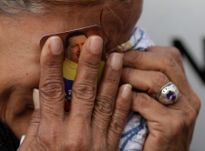 Chavez cries dead mourning