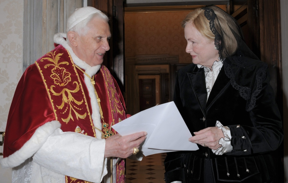Pope Benedict XVI receives the credentials of Washington's new ambassador Mary Ann Glendon, right, at the Vatican. (AP Photo/L'Osservatore Romano, HO)