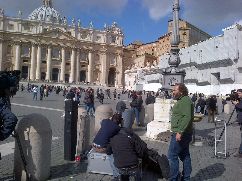 Vatican City was full of tourists Saturday morning, taking time to watch a bit of history in the making. (Lisa LaFlamme/CTV News)