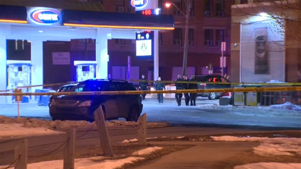 Stabbing victim makes his way to gas station for help | CTV News