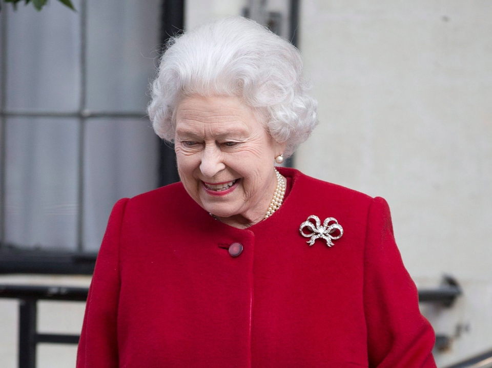 Britain's Queen Elizabeth II leaves the King Edward VII hospital following a one-day stay caused by a stomach ailment, London Monday, March 4, 2013. (AP / Alastair Grant)