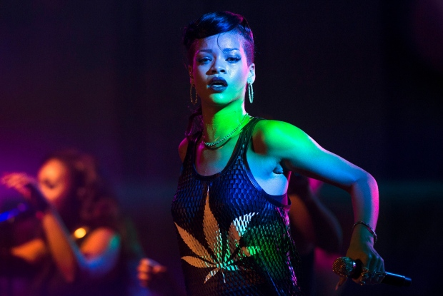 Rihanna's tour buses searched for drugs at Canadian border