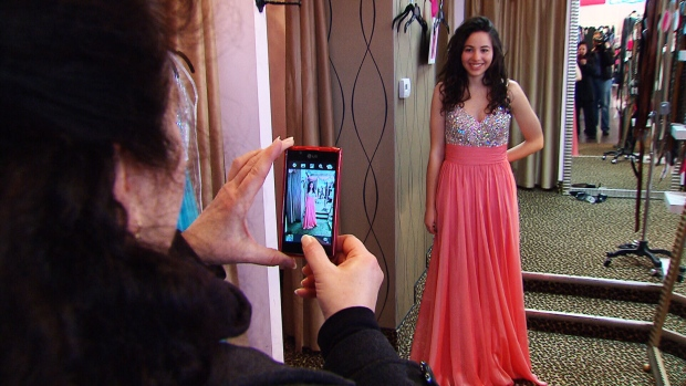 Cheap Wedding Gowns Toronto: Free Prom Dresses Being Offered In Windsor