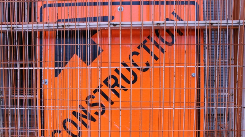 A construction sign is seen in this file photo in Windsor, Ont., on Nov. 19, 2012. (Melanie Borrelli / CTV Windsor)