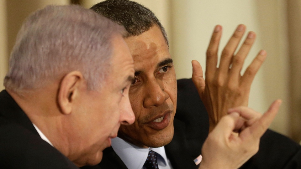 President Barack Obama talks with Israeli Prime Minister Benjamin Netanyahu, during a the State Dinner at President's residence in Jerusalem, Israel, Thursday, March 21, 2013. (AP / Pablo Martinez Monsivais)