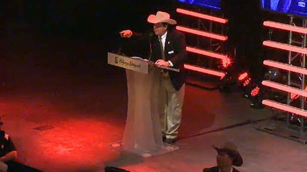 Even though there was little belief that the Stampede tarp auction would top the record set during last year's Centennial, the bar was still set high at the tarp auction on Thursday night.