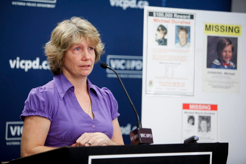 Crystal Dunahee, mother of Michael Dunahee, speaks to media at a press conference in Victoria, Wednesday, March 23, 2011. (Deddeda Stemler / THE CANADIAN PRESS)