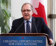 Bernard Valcourt to meet Cree youth group