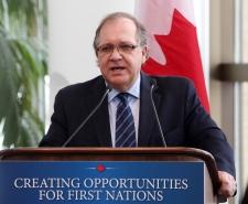 Bernard Valcourt to meet Cree youth group