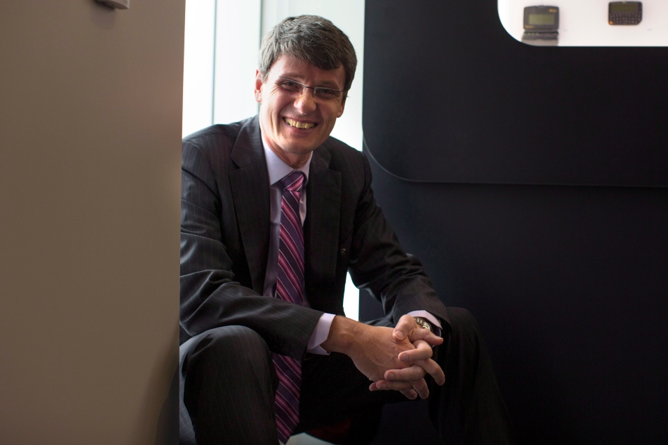 BlackBerry CEO looking to future following surprise Q4 ...