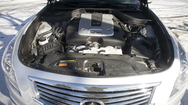 The Infiniti G25 has a 2.5 Litre V6 engine, teamed up with a 7-Speed Automatic Transmission.