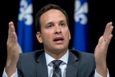 Quebec tells ministers to speak only French