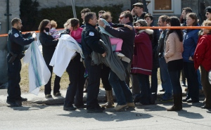 Anxious parents waited to be reunited with their children after a horrifying shooting at a daycare in Gatineau. None of the children inside of the daycare were harmed. <br><br>