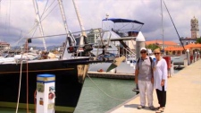 A photo of Jean and Scott Adam, who have been sailing around the world since December 2004, taken from the Quest website.