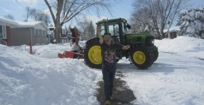 A snow removal driver gave the Nazi salute to a West Island man. The driver has been fired.