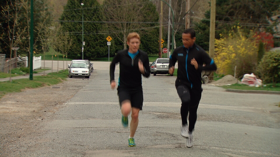 B.C. radio reporter and marathoner Scott Rintoul, left, trains for the Boston Marathon. (CTV)
