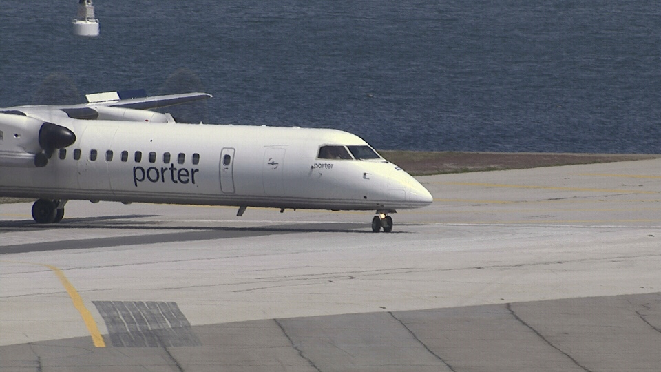 Porter Airlines proposes longer extension of island airport runway
