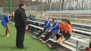 Ronny Varga helps monitor young athletes with concussions. (Image CTV Montreal)