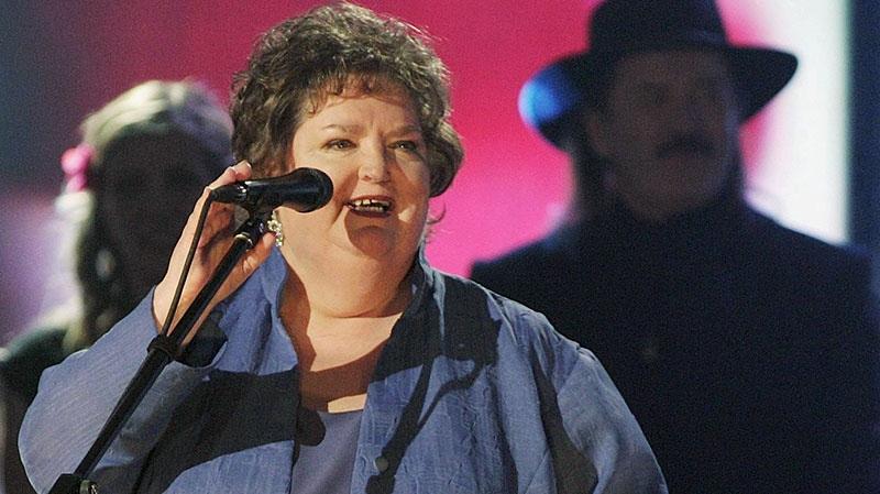 Rita MacNeil dies at age 68