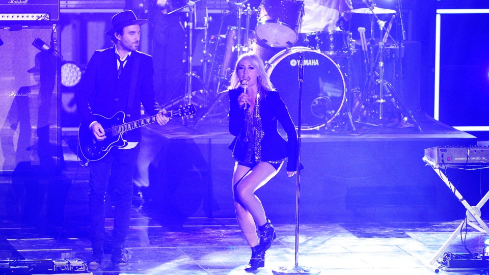 Metric performs during the 2013 Juno Awards in Regina on Sunday, April 21, 2013. (Derek Mortensen / THE CANADIAN PRESS)