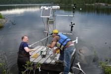 Ontario to keep experimental lake open