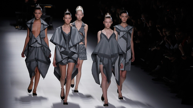 10 Modern And Creative Fashion Designs Inspired By Origami | 449x800