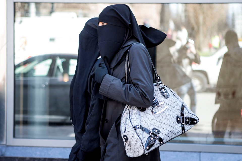 amelia court house muslim women dating site Carly ann harris, 37, appeared at cardiff crown court accused of killing amelia brooke harris  pedestrians walk past the entrance of the retail store house of fraser in central london .