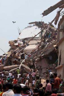 Search in rubble Bangladesh