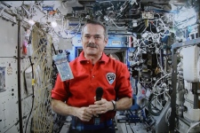 Astronaut Chris Hadfield unveils new polymer $5