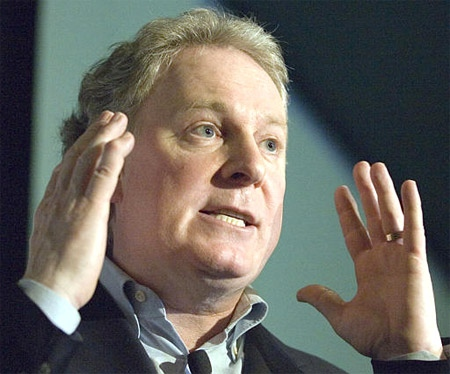 Quebec Liberal leader Jean Charest speaks to supporters as he campaigns in Roberval, Que., Sunday, March 4, 2007. (CP / Ryan Remiorz)