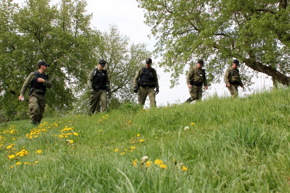 Police search an area along the Grand River near Brantford, Ont., on Friday, May 10, 2013. (Dan Lauckner / CTV Kitchener)