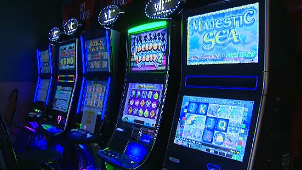 No clocks, no windows, and lots of mirrors. Experts say casinos use a lot of tactics to keep players playing.