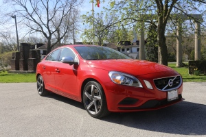 The 2013 Vovlo S60 T6 R-Design AWD is a sharp, athletic looking car. With its wide tires and all-wheel drive system, the S60 is ready for anything. (Bill Wang/CTVNews.ca)