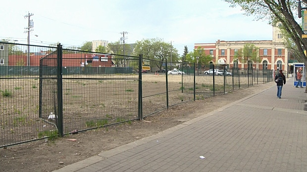 An empty lot on Whyte Avenue has been attracting a lot of interest after it was listed on the market for over $7 million.