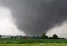 Tornadoes ravage Kansas, Oklahoma