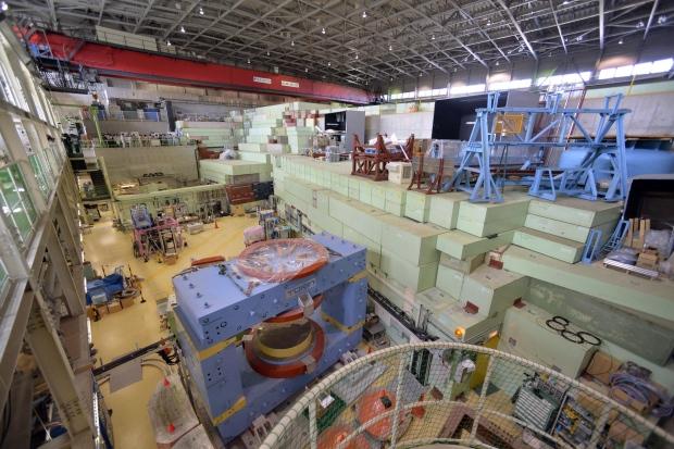 Atomic research lab reports leak