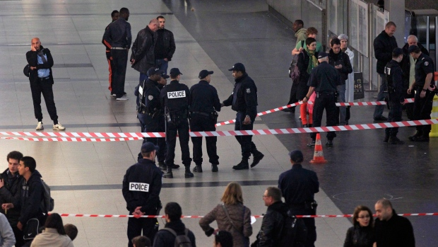 French soldier stabbed outside Paris