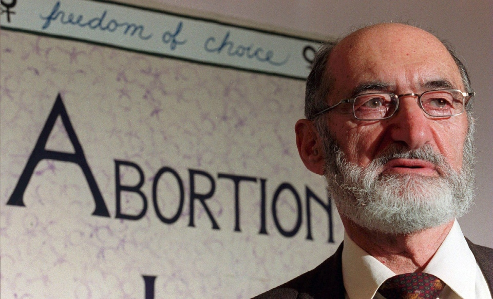 Dr. Henry Morgentaler speaks at press conference in Toronto in 1998 to mark the ten-year anniversary of the Supreme Court of Canada's decision to decriminalize abortion. (THE CANADIAN PRESS)
