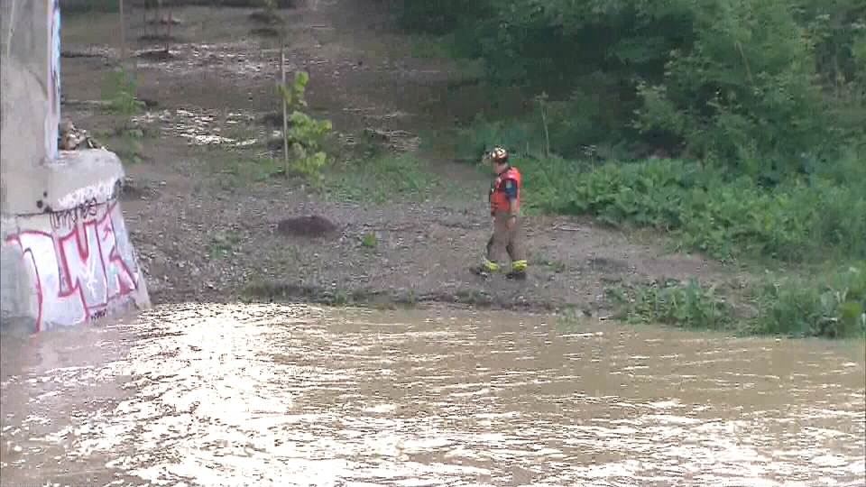 Man swept away in Humber River
