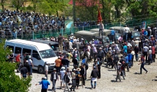 Hundreds storm office near Kyrgyzstan gold mine