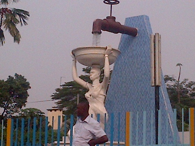 "The symbols and statues of Kinshasa defy the fact that there is no clean water here. Interestingly, the most common brand of bottled water is called ""Canadian Pure."" (Lisa LaFlamme)"