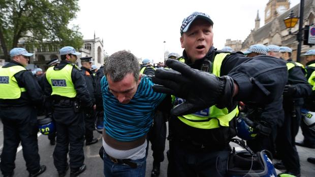 الشرطة البريطانية حملة لاعتقال اللصوص